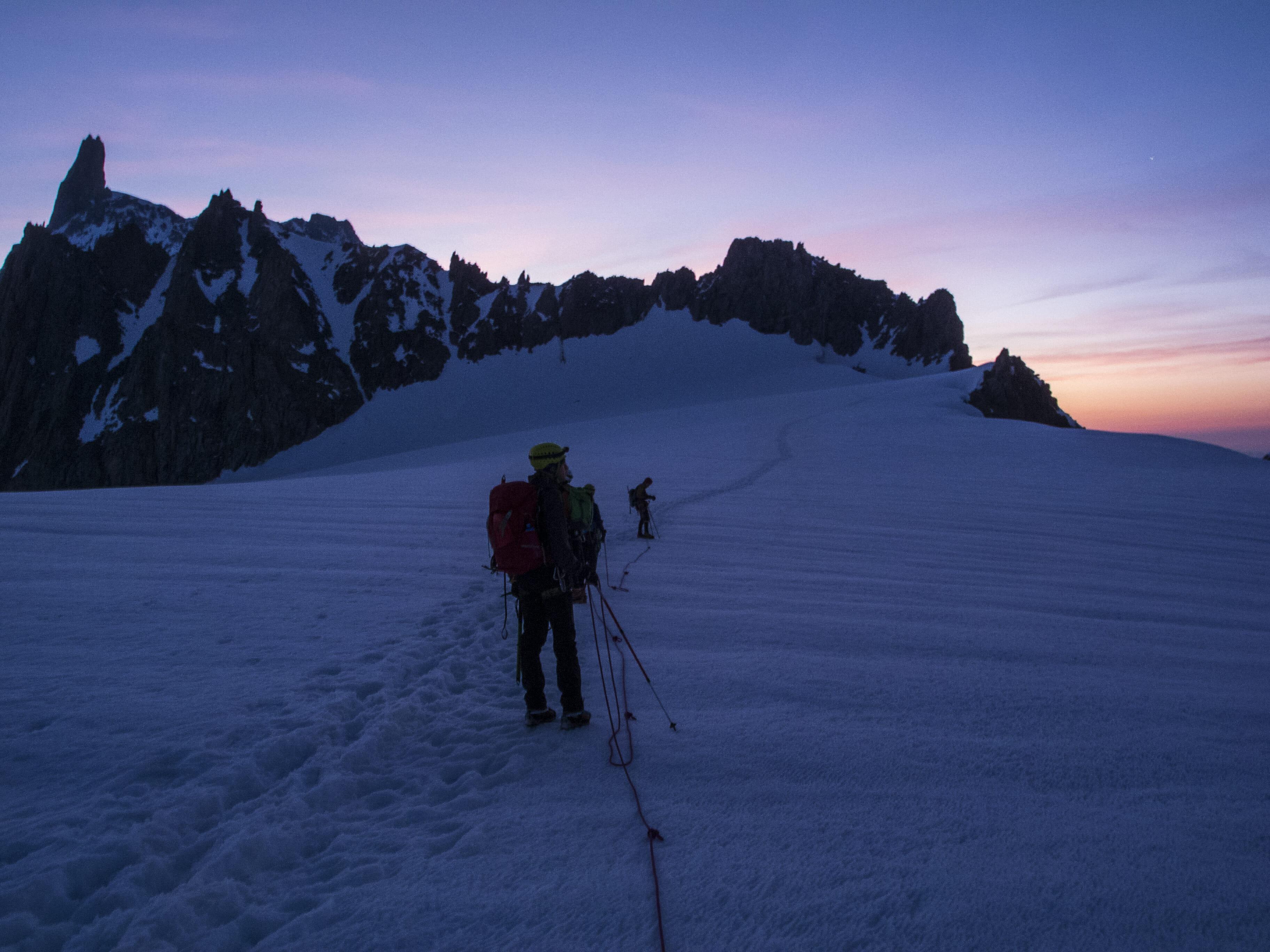 Il Gigante sbadiglia alle prime luci (Glacier du Géant)